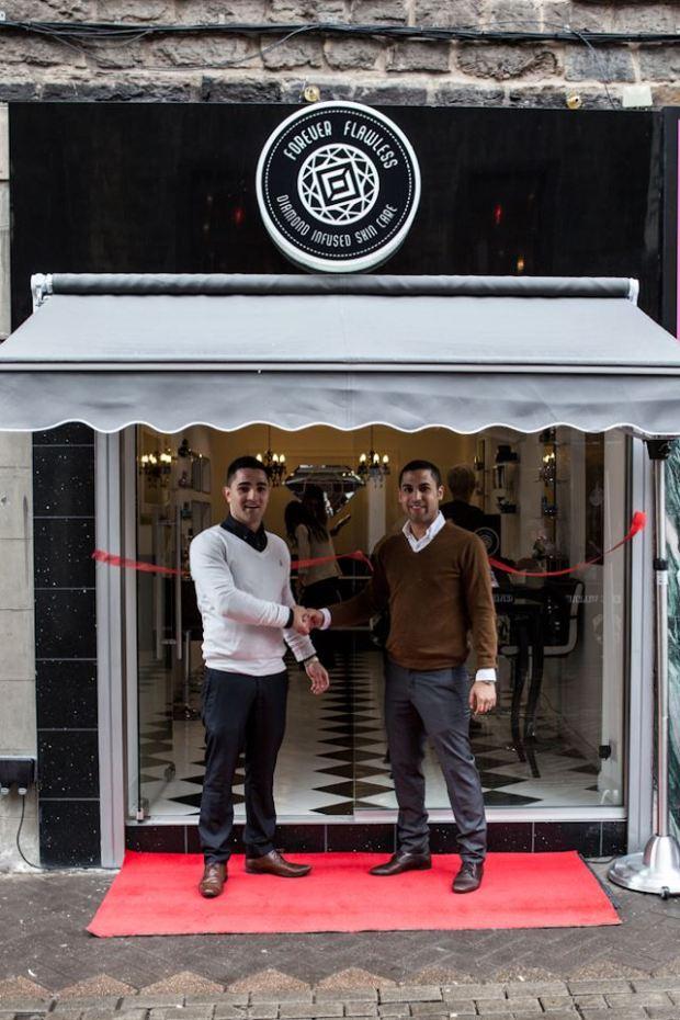 otwarcie sklepu na Rose Street w Edynburgu